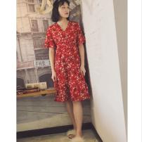 Dress Summer of 2018 Retro Red Average size singleton  Short sleeve commute V-neck High waist Retro 51% (inclusive) - 70% (inclusive) Chiffon