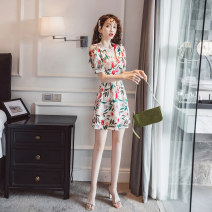 Women's large Summer 2020 Decor L XL S M singleton  commute Self cultivation moderate Short sleeve Broken flowers Korean version V-neck have cash less than that is registered in the accounts other routine GL-8938 Glganrlin / Ganlin 18-24 years old 71% (inclusive) - 80% (inclusive) Short skirt