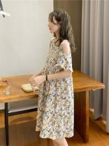 Dress Other / other Green flower off shoulder full chrysanthemum skirt Average size Korean version Short sleeve Medium length summer Crew neck Decor Chiffon WS009676