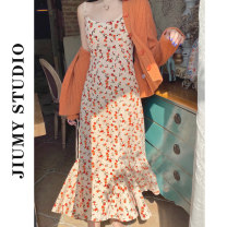Professional dress suit S. M, l, average size Orange cardigan, floral suspender skirt, cardigan + suspender skirt Summer 2020 Shirts, coats, other styles A-line skirt 18-25 years old 31% (inclusive) - 50% (inclusive) cotton