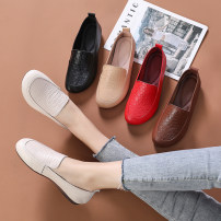 Low top shoes 35 36 37 38 39 40 41 42 43 Round head top layer leather Flat bottom Flat heel (1cm or less) Shallow mouth Superfine fiber Spring 2021 Trochanter comfortable Adhesive shoes Middle age (40-60 years old) Solid color TPR (tendon) Single shoes Shallow mouth leisure time Face dressing