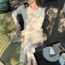 Dress Winter of 2019 Red Beige S M L XL longuette singleton  Long sleeves commute V-neck Loose waist Solid color Socket A-line skirt routine 18-24 years old Qingchuan Retro More than 95% knitting other Other 100% Pure e-commerce (online only)