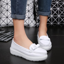 Low top shoes 31 32 33 34 35 36 37 38 39 40 41 42 43 44 Guvoosm / Gucheng 6626 white 2324 white 7701 white 7701 blue Sharp point Flat bottom Double skin mulching Shallow mouth Middle heel (3-5cm) PU Spring of 2018 Trochanter Korean version Adhesive shoes Youth (18-40 years old) Solid color Doug shoes