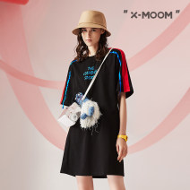 Dress Summer 2020 It's black S M L longuette singleton  Short sleeve street Crew neck Loose waist letter Socket A-line skirt routine Others 25-29 years old Type A X--MOOM printing STXLZ90134 More than 95% cotton Cotton 100% Same model in shopping mall (sold online and offline)