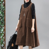 Dress Autumn of 2019 Average size Mid length dress singleton  Sleeveless commute Loose waist Solid color Socket A-line skirt other straps 30-34 years old Type A Retro pocket 81% (inclusive) - 90% (inclusive) corduroy cotton