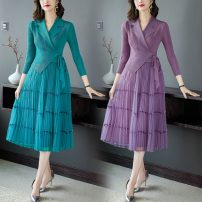 Dress Spring 2021 Grey, purple, red, green M,L,XL,2XL,3XL longuette singleton  Long sleeves commute V-neck middle-waisted Solid color Socket A-line skirt routine 30-34 years old Type A lady Splicing 2025 - spot polyester fiber