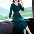 Dress Autumn 2020 Dark green- S M L XL 2XL 3XL Mid length dress singleton  Nine point sleeve commute V-neck High waist Solid color zipper Irregular skirt routine Others 40-49 years old Type A Yi meichu lady Pleated three dimensional decorative zipper YW-280 More than 95% other other Other 100%