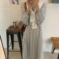Dress Spring 2021 White, black Average size Mid length dress singleton  Long sleeves commute V-neck High waist Broken flowers puff sleeve 18-24 years old Type A Korean version 71% (inclusive) - 80% (inclusive) polyester fiber