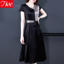 Women's large Summer 2020 black M L XL XXL XXXL Dress singleton  commute Self cultivation moderate Socket Short sleeve Solid color Korean version V-neck Three dimensional cutting routine TJB19NRJ5195 Telege  40-49 years old belt 96% and above Medium length Other 100% Pure e-commerce (online only)