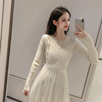 Wool knitwear Autumn of 2019 S M L XL Black green apricot Long sleeves singleton  Socket other More than 95% Medium length routine commute Self cultivation Low crew neck routine Solid color Socket court Yingxuelan Beaded yarn net Other 100% Pure e-commerce (online only)