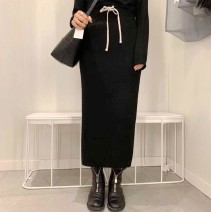 skirt Winter of 2018 Average size black Middle-skirt Versatile Natural waist other Solid color Type H 25-29 years old More than 95% Cashmere 401g / m ^ 2 (inclusive) - 500g / m ^ 2 (inclusive)