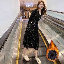 Dress Autumn of 2019 Black (thin) S M L XL Mid length dress singleton  Long sleeves commute V-neck middle-waisted Solid color Socket other other Others 18-24 years old Jonana Korean version CSTN19074 More than 95% other other Other 100% Pure e-commerce (online only)