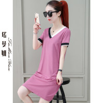 T-shirt Bean paste red black red green M L XL 2XL 3XL Summer 2021 Short sleeve V-neck easy Medium length routine commute cotton 86% (inclusive) -95% (inclusive) 25-29 years old Korean version youth Solid color Tamanyan tmy-lsxt-2968-1 Splicing Cotton 91.6% polyurethane elastic fiber (spandex) 8.4%