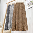 skirt Spring 2021 Average size Brown, white, black longuette Versatile High waist A-line skirt Broken flowers Type A 18-24 years old 71% (inclusive) - 80% (inclusive) other polyester fiber printing 201g / m ^ 2 (including) - 250G / m ^ 2 (including)