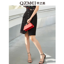 skirt Summer of 2019 28 29 30 31 32 33 34 35 Black Brown Middle-skirt High waist other 25-29 years old 91% (inclusive) - 95% (inclusive) The beauty of Qian polyester fiber Polyester fiber 90.5% polyurethane elastic fiber (spandex) 9.5% Same model in shopping mall (sold online and offline)