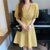 Dress Summer 2021 Green, yellow Average size singleton  Short sleeve commute V-neck Others 18-24 years old Other / other Korean version 31% (inclusive) - 50% (inclusive) other other