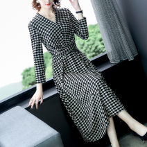 Women's large Autumn 2020 M L XL 2XL 3XL 4XL 5XL Dress singleton  commute Socket Long sleeves Lattice thousand bird lattice Korean version V-neck other printing and dyeing routine 40-49 years old pocket longuette Other 100% Pure e-commerce (online only) other