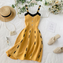 Dress Summer 2020 Yellow, black Average size Short skirt singleton  Sleeveless commute V-neck High waist other Three buttons A-line skirt other Others 18-24 years old Type A Korean version Button 30% and below other other