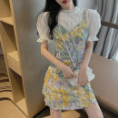 Women's large Summer 2020 Top with suspender S M L XL Two piece set commute Short sleeve Broken flowers Korean version V-neck other Yinlizi 18-24 years old Short skirt Polyester 100% Pure e-commerce (online only) other
