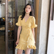 Women's large Summer 2020 Yellow blue S M L singleton  commute Short sleeve lattice Retro V-neck other Lotus leaf sleeve 7113# Yinlizi 18-24 years old 91% (inclusive) - 95% (inclusive) Cotton 100% Pure e-commerce (online only) Ruffle Skirt