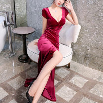 Dress Winter 2020 rose red S,M,L,XL Short skirt singleton  Short sleeve commute V-neck middle-waisted Solid color zipper One pace skirt other Others 25-29 years old Song Xuefu Zipper, stitching More than 95% knitting other
