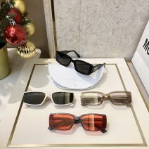 Sun glasses Personality, elegance, avant-garde, gorgeous, classic, simple, comfortable, sporty currency square resin 100-200 yuan Anti UVA, anti UVB, polarized light DEUS Mirror radian board 50mm (including) - 55mm (excluding)