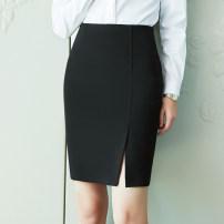 skirt Spring of 2019 black Short skirt Versatile High waist skirt Solid color 25-29 years old 51% (inclusive) - 70% (inclusive) Viscose Viscose fiber (viscose fiber) 64% polyester fiber 33% polyurethane elastic fiber (spandex) 3% Pure e-commerce (online only)