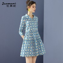 Dress Spring 2021 blue S M L XL XXL Short skirt singleton  three quarter sleeve commute Polo collar Loose waist Decor Single breasted routine 35-39 years old Type H Muzoni Ol style Pleated and pleated auricular pocket stitching button print Z21CL12658 More than 95% cotton Cotton 100%