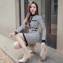 Dress Winter 2020 Black and white check S M L XL Middle-skirt singleton  Long sleeves commute Crew neck High waist lattice zipper One pace skirt routine 25-29 years old Zhiyu Korean version More than 95% polyester fiber Polyester 100% Pure e-commerce (online only)