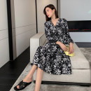 Dress Summer 2021 Small black and white flowers S,M,L,XL,2XL longuette singleton  Long sleeves commute V-neck Broken flowers A-line skirt routine Others 25-29 years old Type A Karey original Korean version G1C229 More than 95% polyester fiber