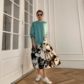 skirt Spring 2021 S,M,L,XL Black and white abstract flower Mid length dress commute High waist A-line skirt Decor Type A 30-34 years old G1C153 More than 95% Karey original printing Korean version