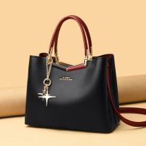 Bag The single shoulder bag cowhide Tote Bag brand new European and American fashion in leisure time soft zipper no Solid color Single root One shoulder cross carry Yes middle age Vertical square Color contrast Soft handle polyester fiber Open your pocket cowhide