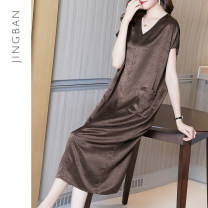 Women's large Summer 2020 Brown M L XL XXL XXXL Dress singleton  commute Straight cylinder moderate Socket Short sleeve Solid color Retro V-neck Medium length Cellulose acetate other F92287 Quiet class 35-39 years old pocket 51% (inclusive) - 70% (inclusive) Medium length Exclusive payment of tmall