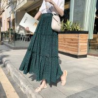 skirt Spring 2020 Average size Black green Mid length dress commute High waist Splicing style Broken flowers Type A 25-29 years old More than 95% Qian Yuanqian other printing Other 100% Pure e-commerce (online only)