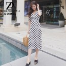 Dress Summer of 2018 White spots on black background, black spots on white background Middle-skirt singleton  Short sleeve commute V-neck middle-waisted Solid color zipper One pace skirt puff sleeve Others 30-34 years old Type X Dongzhou Yali Korean version Pleating More than 95% polyester fiber