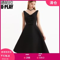Dress Winter of 2018 black S M L XL Mid length dress singleton  Sleeveless street V-neck High waist zipper Big swing other 25-29 years old DPLAY bow D8495024 More than 95% polyester fiber Polyester 100% Pure e-commerce (online only) Europe and America