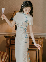 cheongsam Summer 2021 S,M,L Off white Short sleeve long cheongsam grace Low slit daily Oblique lapel 18-25 years old Embroidery polyester fiber 51% (inclusive) - 70% (inclusive)