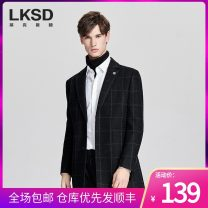 woolen coat black 46/S 48/M 50/L 52/XL 54/XXL 56/XXXL Laxdn / Lexton Fashion City U181400963 Polyester 68.3% wool 27.2% cotton 4.5% Woolen cloth Winter of 2019 have more cash than can be accounted for go to work standard Same model in shopping mall (sold online and offline) youth tailored collar