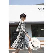 Dress Spring 2021 Black and white flowers S, M Middle-skirt singleton  Long sleeves commute Crew neck Loose waist Broken flowers A-line skirt routine 18-24 years old Type A Reminiscence Korean version Q6710 More than 95% polyester fiber