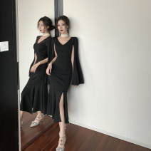 Dress Winter 2020 black S,M,L longuette singleton  Long sleeves commute V-neck High waist Solid color zipper One pace skirt routine Others 18-24 years old Other / other Korean version Panel, zipper 51% (inclusive) - 70% (inclusive) brocade polyester fiber