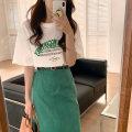 Fashion suit Summer 2021 Average size T-shirt, retro green skirt with belt