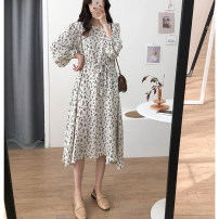 Dress Spring 2021 Black, beige M, L Mid length dress singleton  Long sleeves commute Crew neck Loose waist Broken flowers Socket A-line skirt routine 25-29 years old Type A Other / other Korean version 2021214 Round Neck Lace Up Dress other