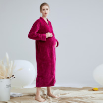Nightgown / bathrobe 7 Veils lovers M size 90-120 Jin, L size 125-160 Jin, XL SIZE 165-200 Jin Rose red, Tibetan blue, Tibetan blue men's thickening Simplicity Polyester (polyester) winter More than 95% Long (below Mid Calf) Coral velvet fabric Geometric pattern youth 240g