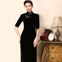 cheongsam Spring of 2018 S ml XL XXL XXL XXL customized is non refundable Short sleeve long cheongsam grace Low slit daily Oblique lapel Solid color Over 35 years old Piping EFU2018012 EFU / EFU polyester fiber Polyethylene terephthalate (PET) 90% polyurethane elastic fiber (spandex) 10%