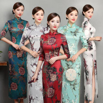 cheongsam Autumn of 2018 three quarter sleeve long cheongsam Low slit daily Round lapel
