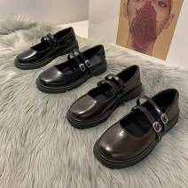 Low top shoes 35,36,37,38,39 Qiankanuo Black, brown Round head PU Thick heel Middle heel (3-5cm) Shallow mouth PU Spring 2021 Trochanter Korean version Adhesive shoes Youth (18-40 years old) Solid color rubber Single shoes Shallow mouth PU daily Dafu shoes 779 Face dressing Zero point eight