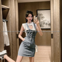 skirt Spring 2021 S,M,L blue Short skirt commute High waist skirt Solid color Type H 18-24 years old D3233 31% (inclusive) - 50% (inclusive) Denim LADIES FIRST cotton Pocket, strap, button, stitching Korean version 201g / m ^ 2 (including) - 250G / m ^ 2 (including)