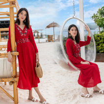 Women's large Autumn of 2018 White, red Big L, big XL, big XXL, s, M Dress singleton  commute Straight cylinder moderate Socket three quarter sleeve Plant, flower, color ethnic style V-neck Medium length polyester fold Princess sleeve 6533# Other / other Embroidery 96% and above Medium length