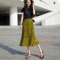 skirt Summer 2021 S,M,L,XL,2XL Yellow flowers Mid length dress Versatile High waist A-line skirt Broken flowers Type A 25-29 years old 91% (inclusive) - 95% (inclusive) Chiffon polyester fiber Splicing 181g / m ^ 2 (including) - 200g / m ^ 2 (including)