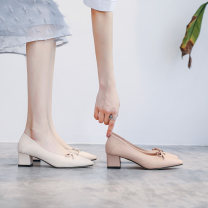 Low top shoes 34,35,36,37,38,39 Bu Mei shoes Off white, pink Camel Sharp point PU Thick heel Middle heel (3-5cm) Shallow mouth Superfine fiber Spring 2021 Trochanter Korean version Sewing shoes Youth (18-40 years old) Solid color rubber Single shoes Shallow mouth, bow tie, thick heel Microfiber skin